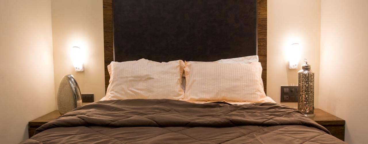 Singh Bunglow - Kalyan:  Bedroom by Aesthetica