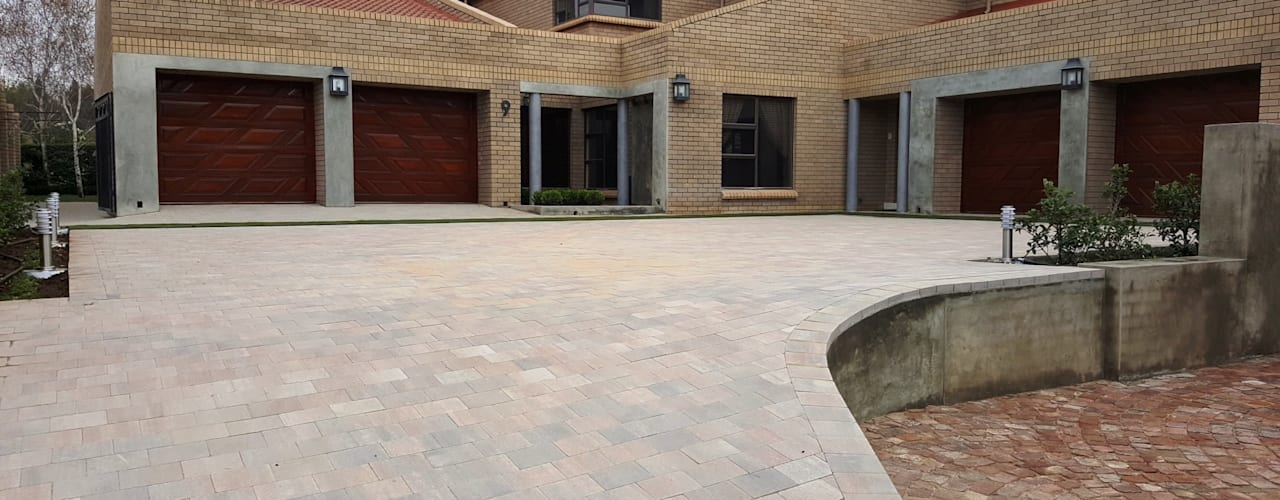 New driveway for Nkateko and Liesel:  Garden by Gorgeous Gardens, Modern