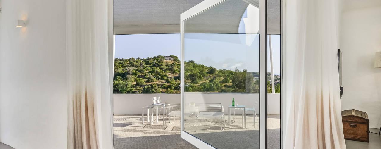 Casa dosTerraços: Janelas   por dacruzphoto