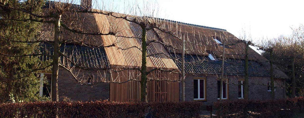 Huis K studio suit Moderne huizen Hout Hout