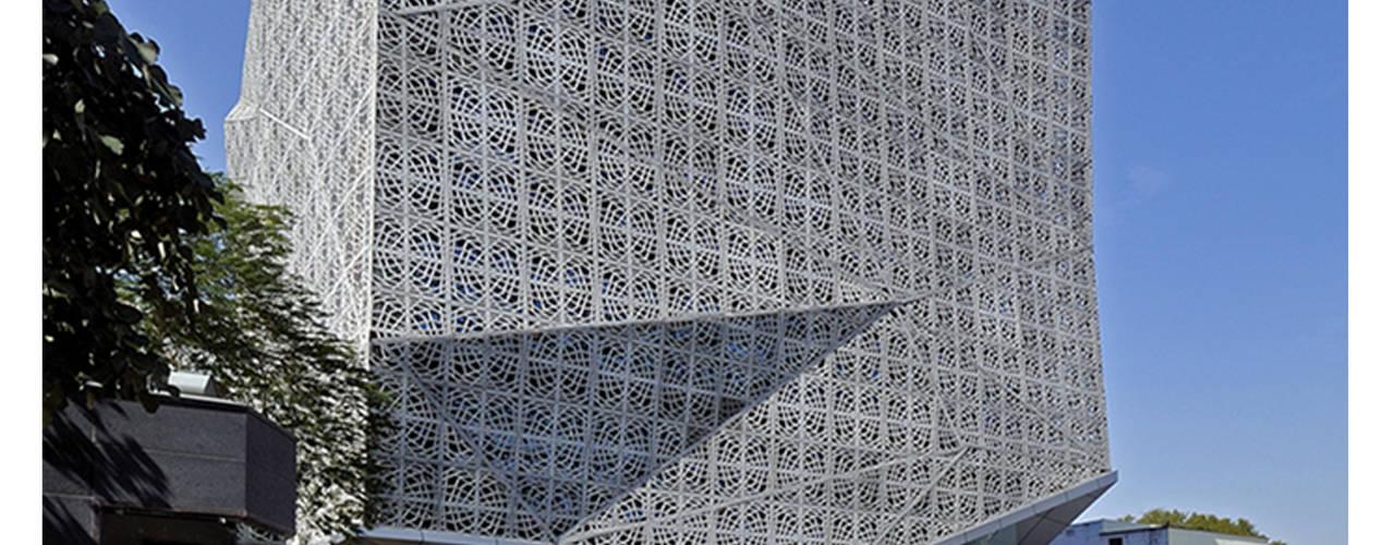 72 SCREENS Modern office buildings by SANJAY PURI ARCHITECTS Modern