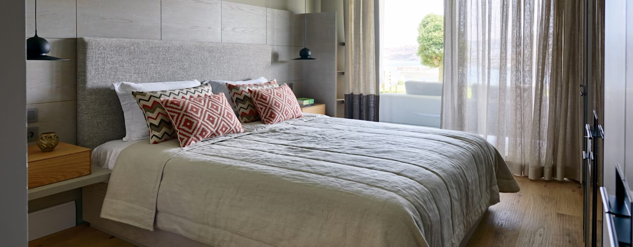 Dormitorios de estilo  por Esra Kazmirci Mimarlik