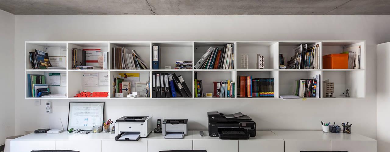 by Garnerone + Ramos Arq. Modern