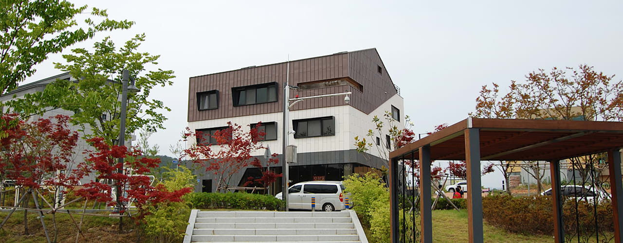 어라운드93_울산시 중구 약사동 430-3 상가주택 AAG architecten 모던스타일 주택