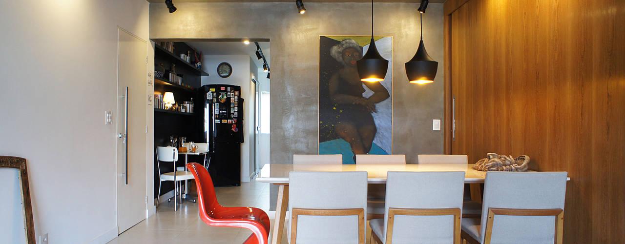 Apê do artista: Salas de jantar  por Lelalo - arquitetura e design,Moderno