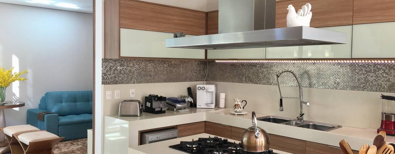Cocinas de estilo  por Collevatti Arquitetura, Moderno