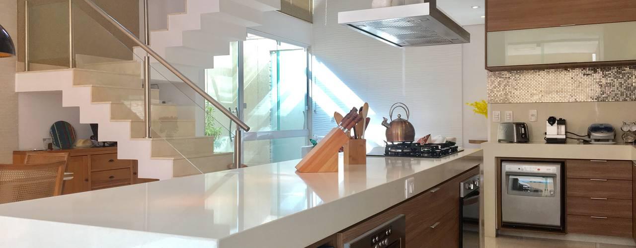 Moderne Küchen von Collevatti Arquitetura Modern