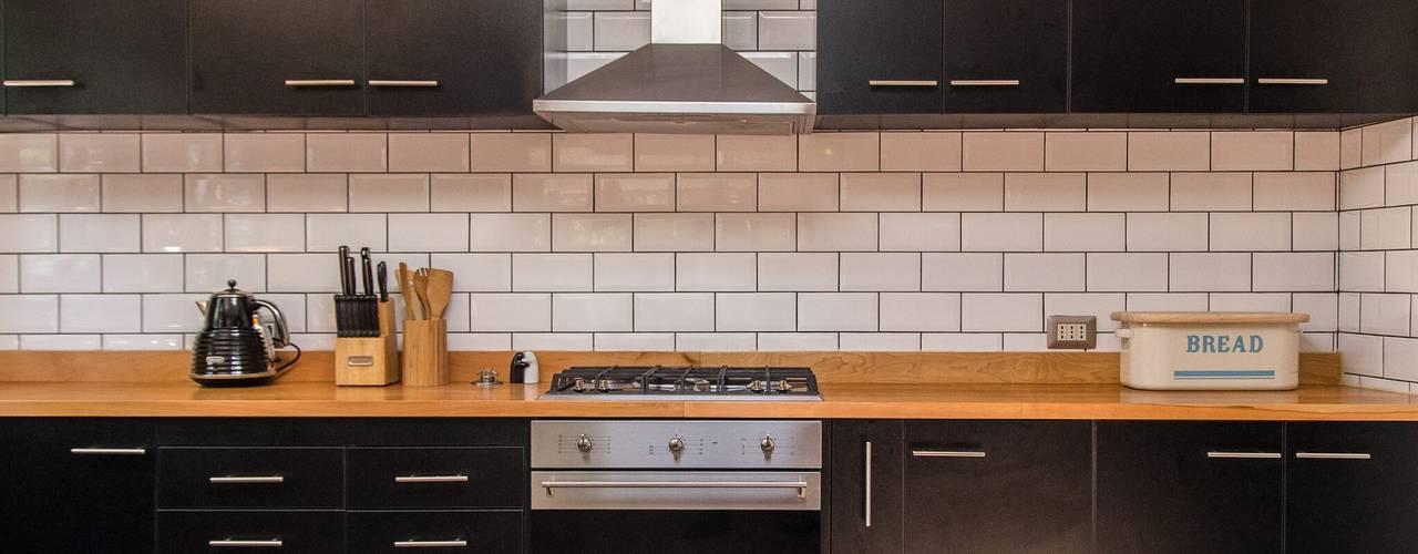 現代廚房設計點子、靈感&圖片 根據 RENOarq 現代風