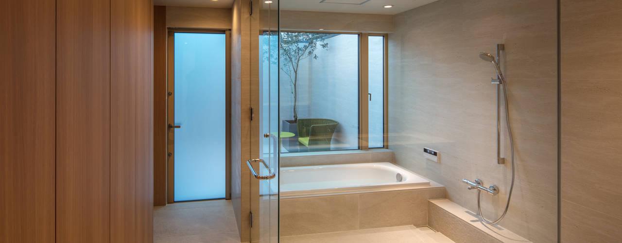 Bathroom by マニエラ建築設計事務所
