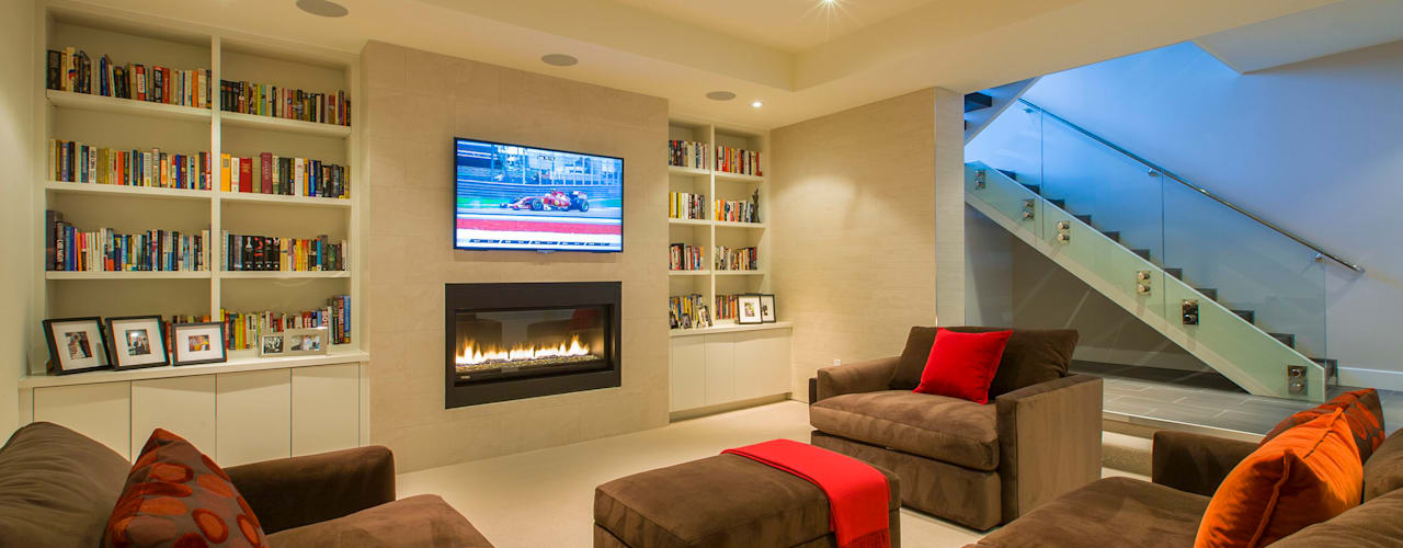 Craftsman Modern:  Media room by FORMA Design Inc.