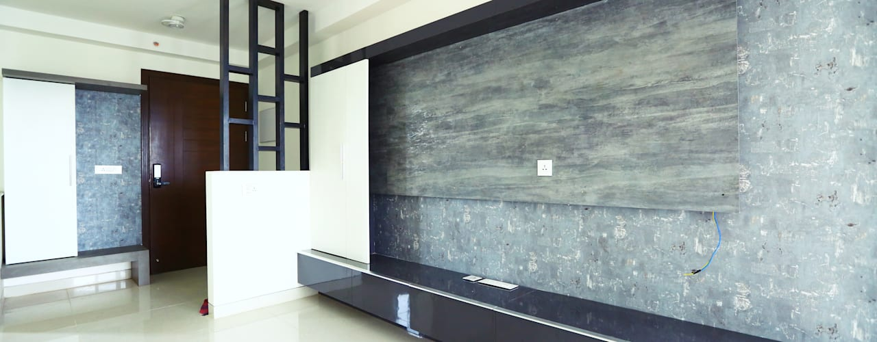 Flat at Horamavu Main Road:  Living room by Space Trend