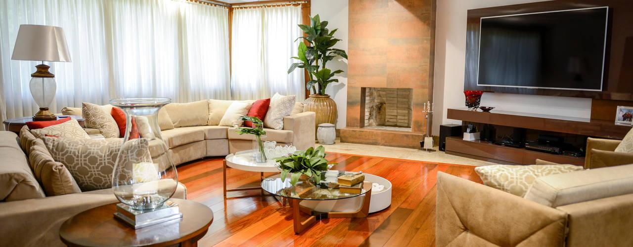 Phòng khách by Juliana Teixeira Arquitetura