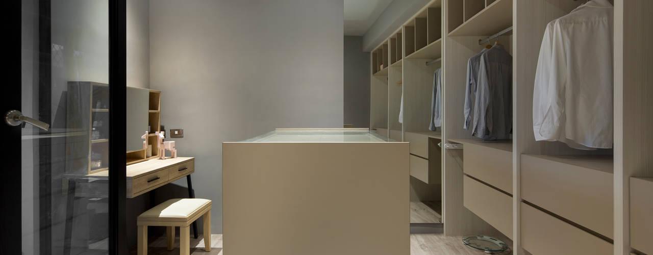 Minimalist dressing room by 磨設計 Minimalist
