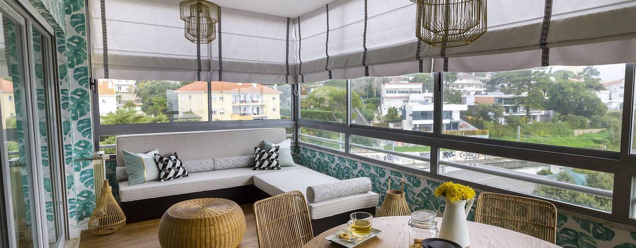 Sala e Varanda em Paço de Arcos: Terraços  por Sizz Design