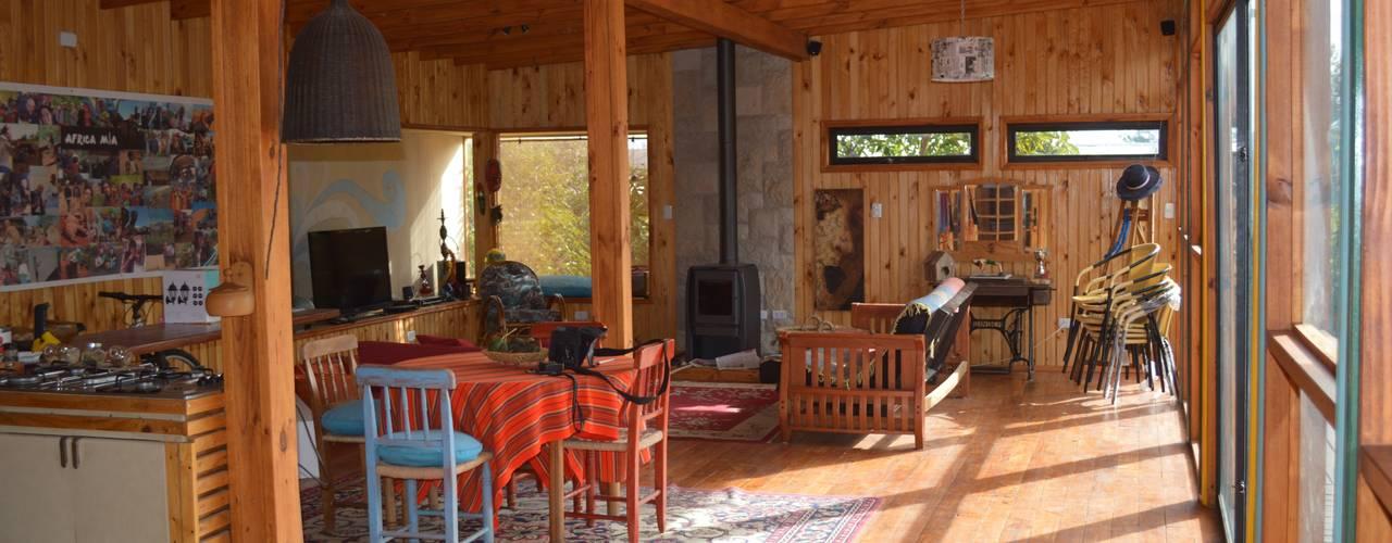 Casa Ecológica en Olmué: Livings de estilo  por Nido Arquitectos