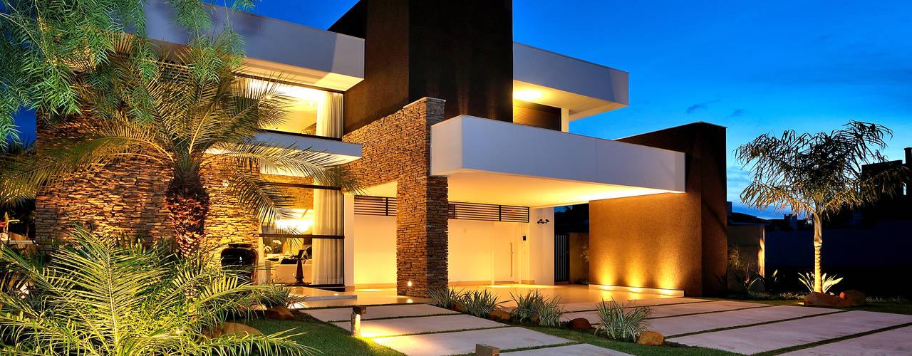 by Chris Brasil Arquitetura e Interiores Modern