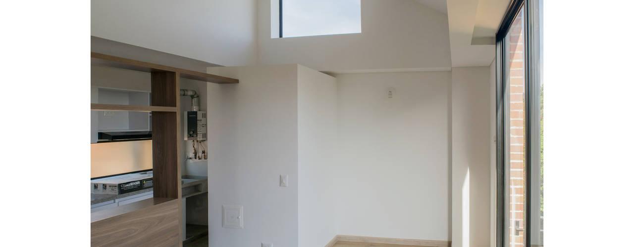 MULTIFAMILIAR INTERIOR 8 Salas de estilo minimalista de ENSAMBLE de Arquitectura Integral Minimalista