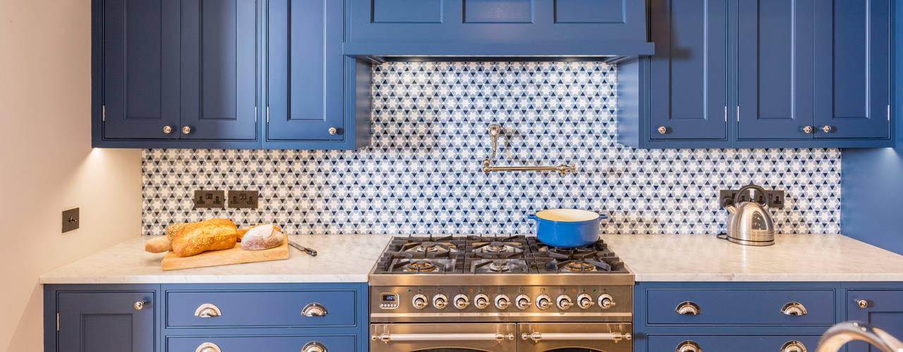 Kensington Blue Kitchen Modern kitchen by Tim Wood Limited Modern
