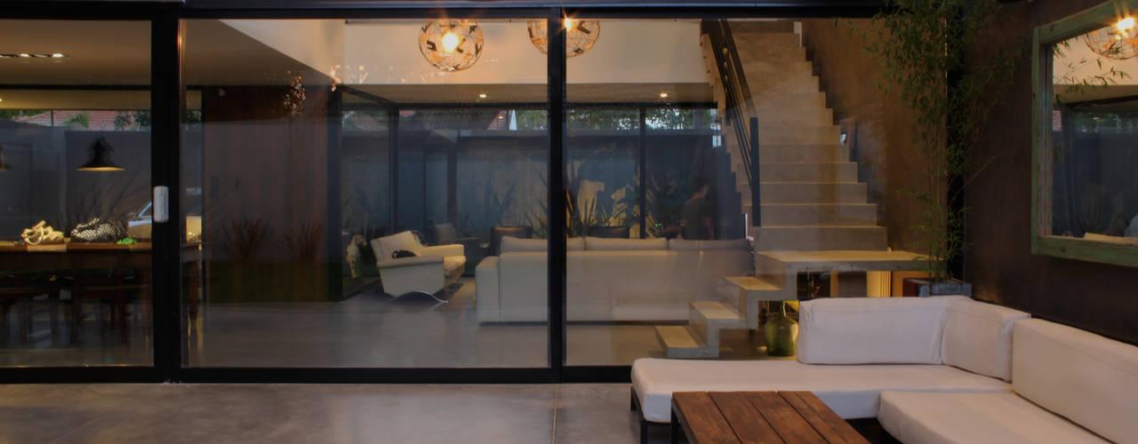 Casas modernas: Ideas, diseños y decoración de DUA Arquitectos Moderno