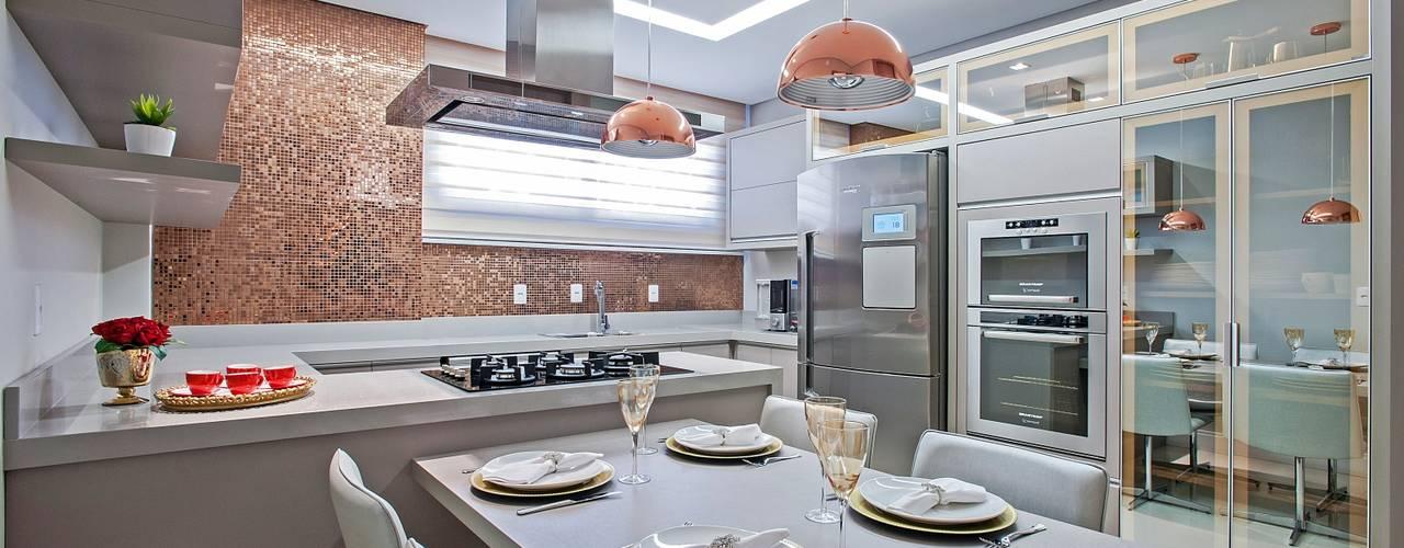 Apto AK_ 220m² Cozinhas modernas por Carolina Kist Arquitetura & Design Moderno