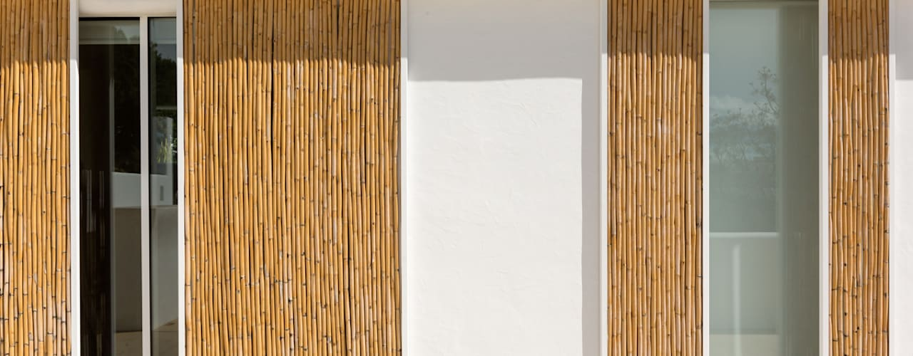 Sliding doors by Alejandro Giménez Architects