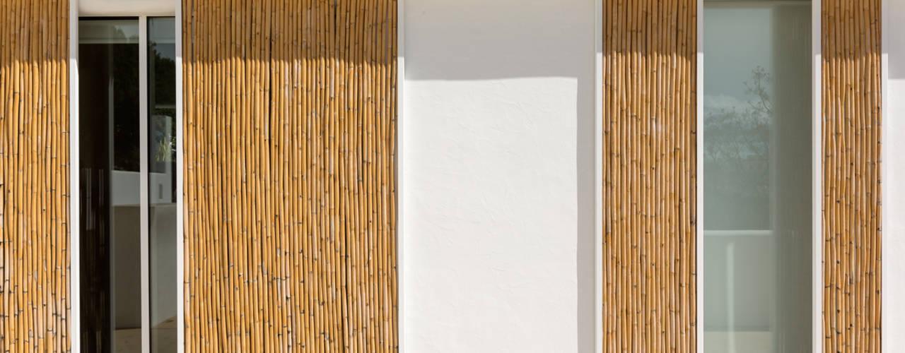 Cửa kéo by Alejandro Giménez Architects