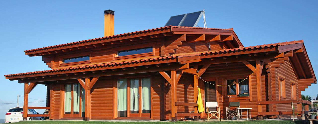 Chalés e casas de madeira  por Rusticasa