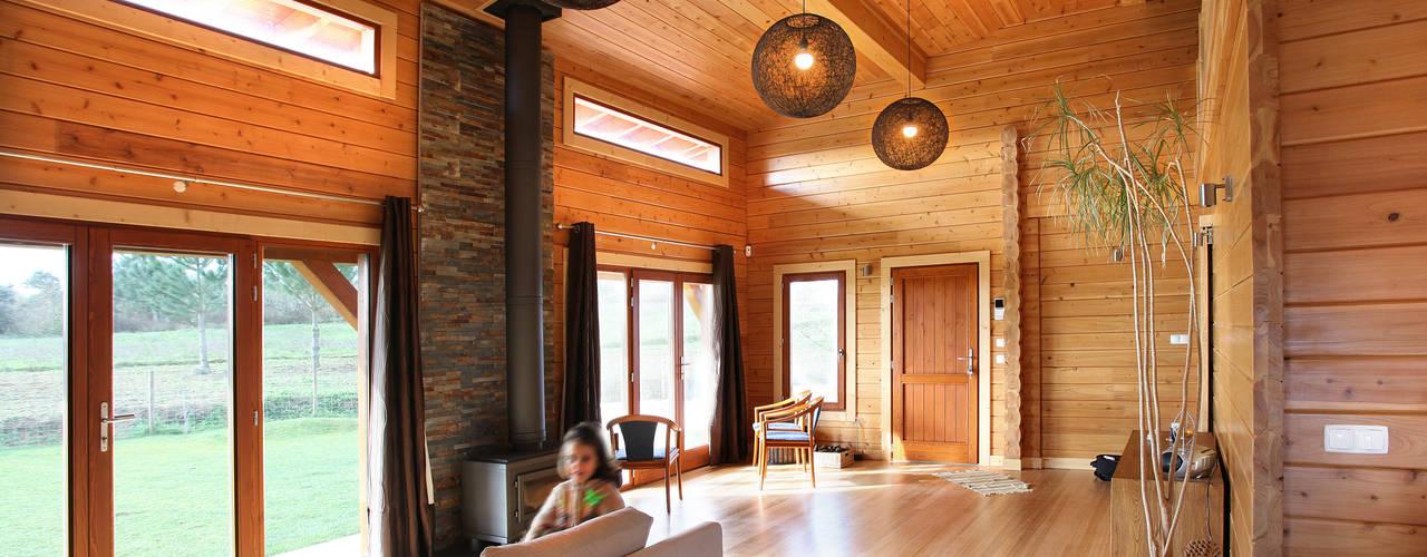 Phòng khách phong cách mộc mạc bởi RUSTICASA Mộc mạc