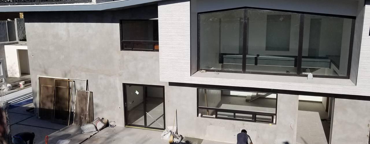 Casas de estilo  por AYALA Proyectos y Construccion