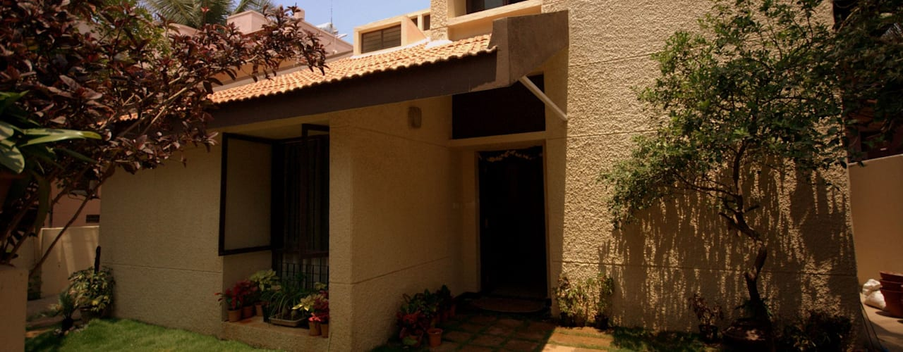 Captain Vijendra - Renovation Eclectic style houses by Sandarbh Design Studio Eclectic