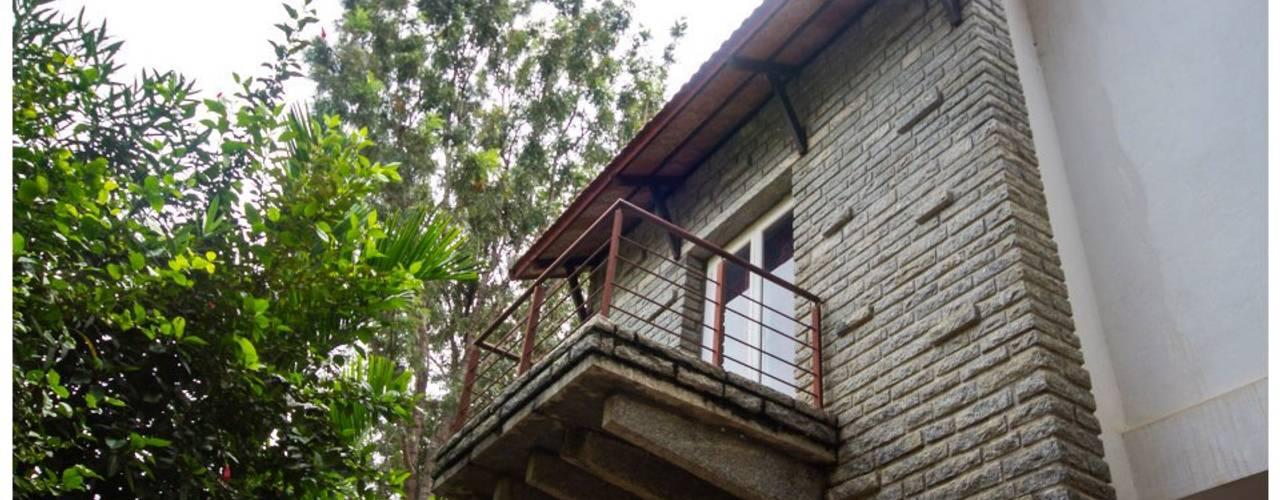 Kaivalya - Bhaskar's residence Eclectic style houses by Sandarbh Design Studio Eclectic