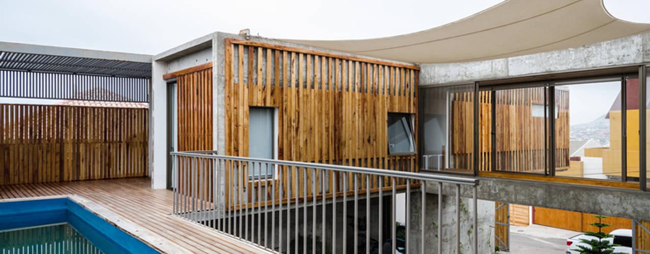 Casa Jardines del Sur : Piscinas de jardín de estilo  por Dx Arquitectos