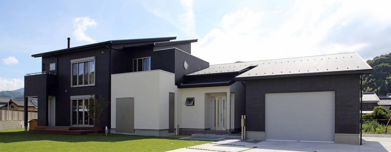 暮らしを育むインナーガレージと土間のある和モダンコートハウス やまぐち建築設計室 一戸建て住宅