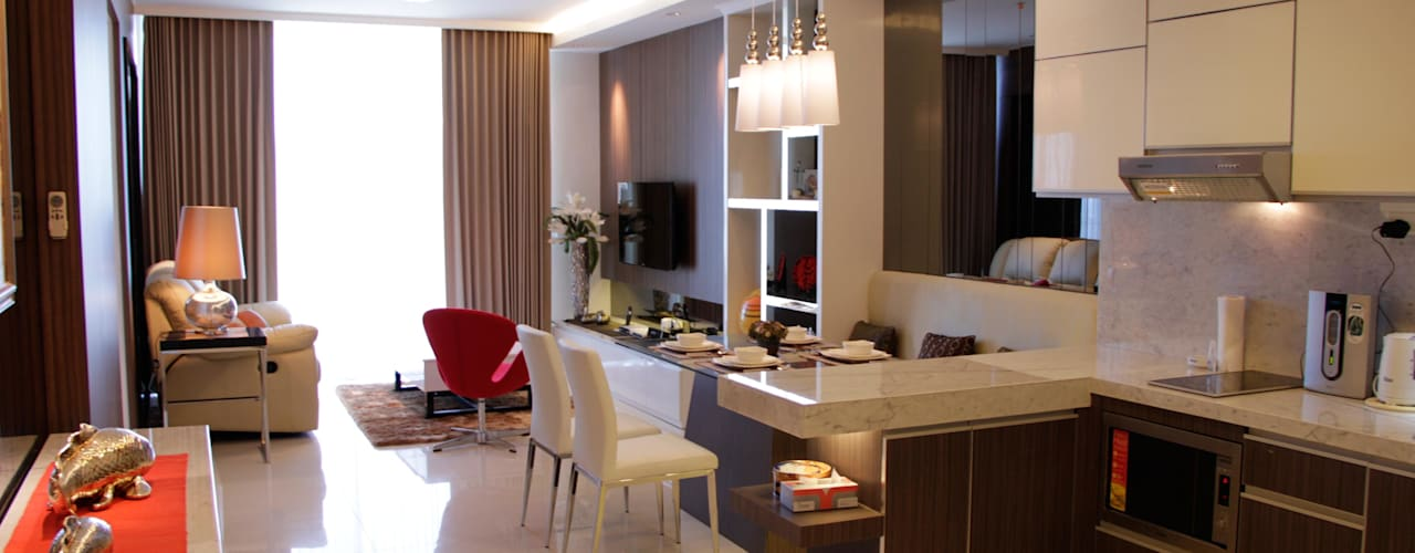 Mr Anton private apartment at The Via Ciputra World: Ruang Makan oleh Kottagaris interior design consultant, Minimalis