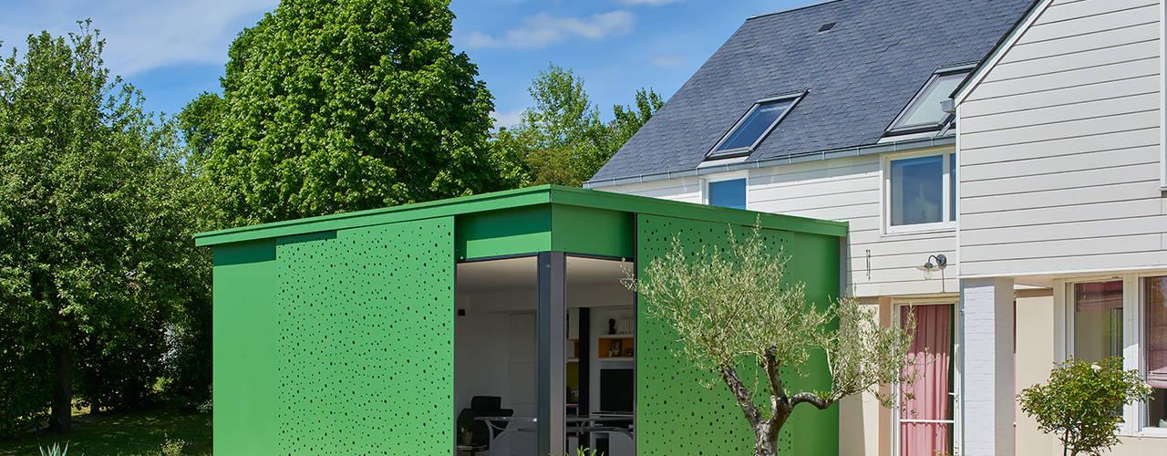 Conservatory by Camélia Alex-Letenneur Architecture Design Paysage, Modern