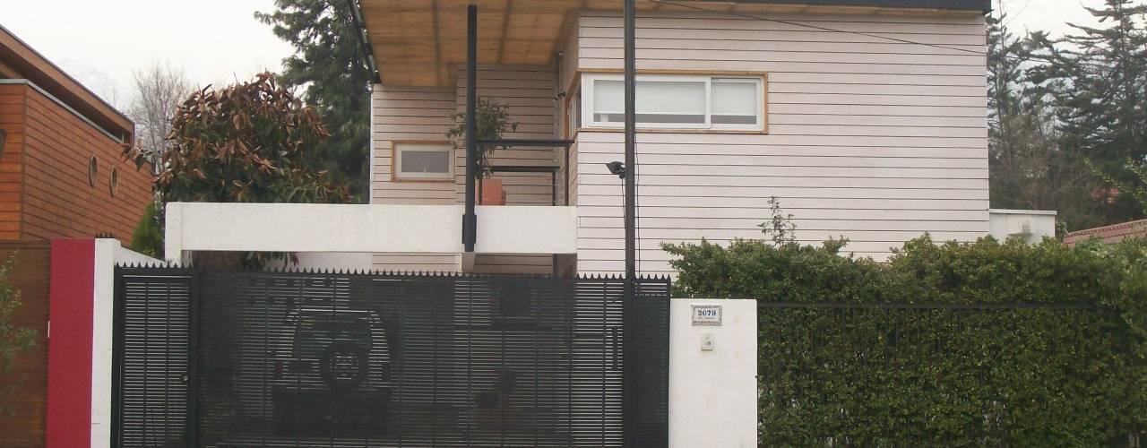 CASA GUMUCIO: Casas de estilo moderno por [ER+] Arquitectura y Construcción