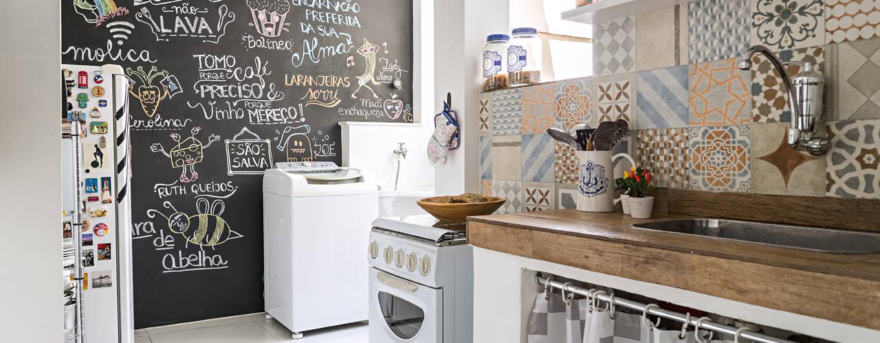 Muebles de cocinas de estilo  por INTERIOR - DECORAÇÃO EMOCIONAL