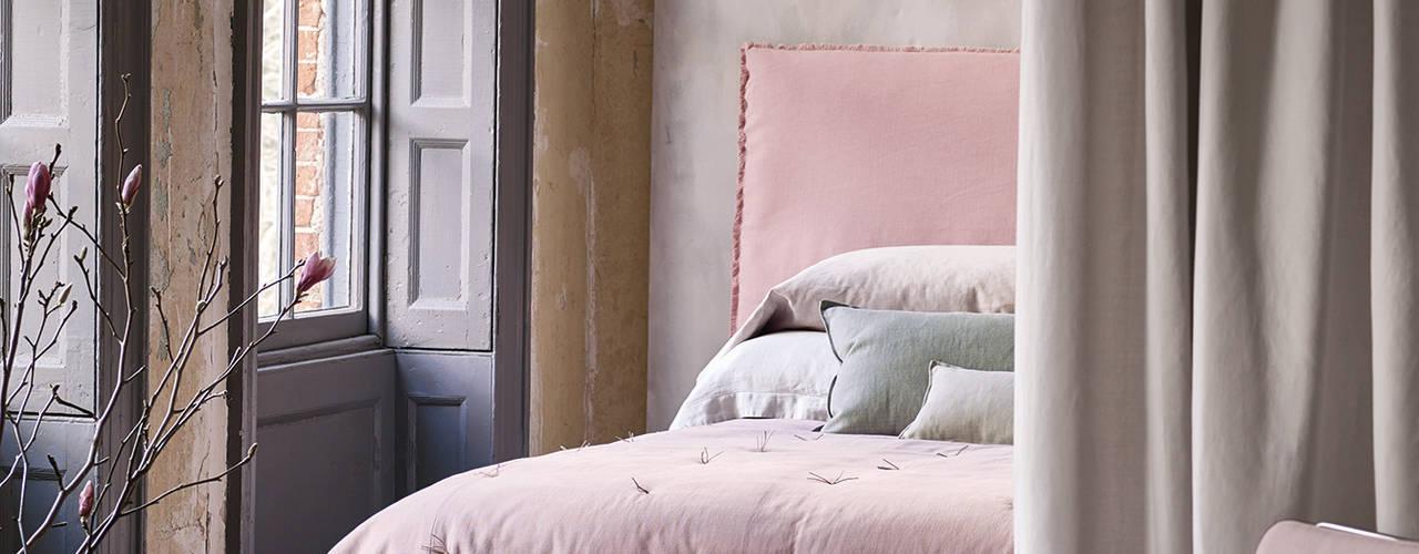 Schlafzimmer romatisch. Rosé Ton in Ton:   von Wohnwiese Jette Schlund