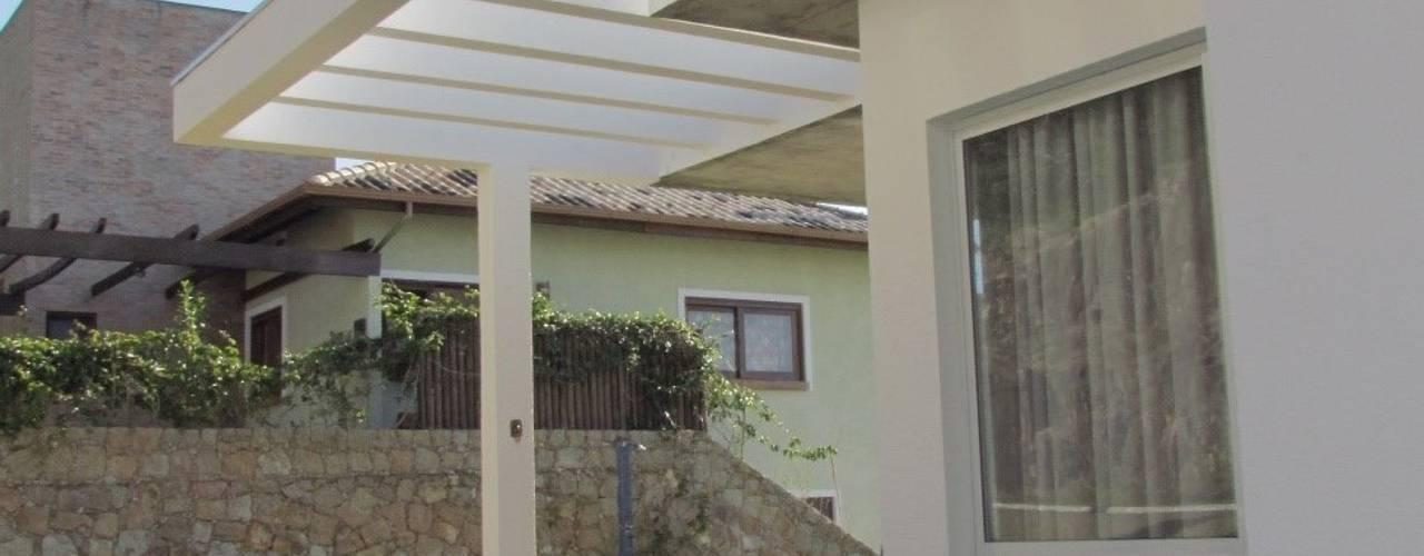 Maisons de style  par Studio RW Arquitetura