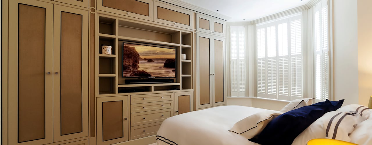 Bedroom:  Bedroom by Prestige Architects By Marco Braghiroli