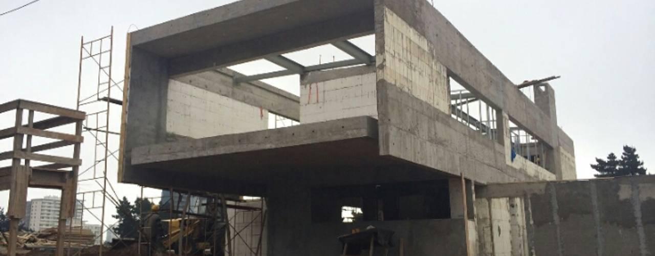 Construcción de Vivienda en Reñaca: Casas de estilo  por Eracón