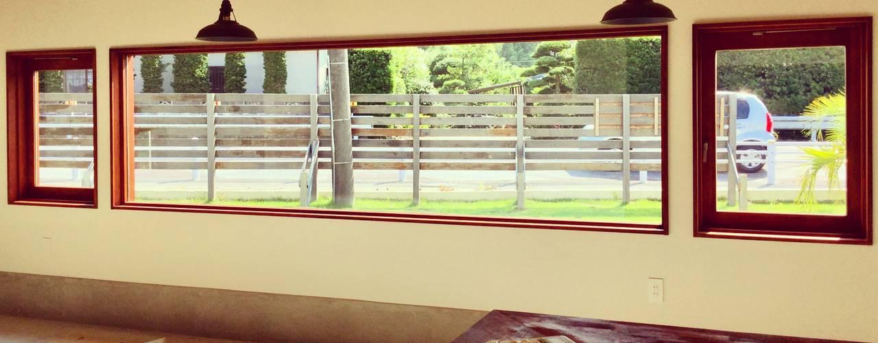 House in Torami ラスティックな 窓&ドア の tai_tai STUDIO ラスティック