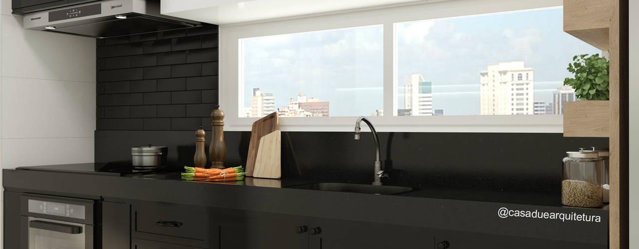 COZINHA | Bancada com pia + cooktop + forno + metrowhite: Cozinhas pequenas  por CASA DUE ARQUITETURA