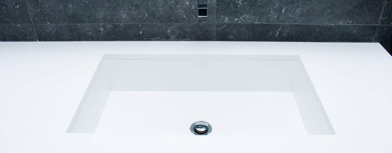 WCs projects Casas de banho modernas por ORCHIDS LOFT by Alexandra Pedro Moderno