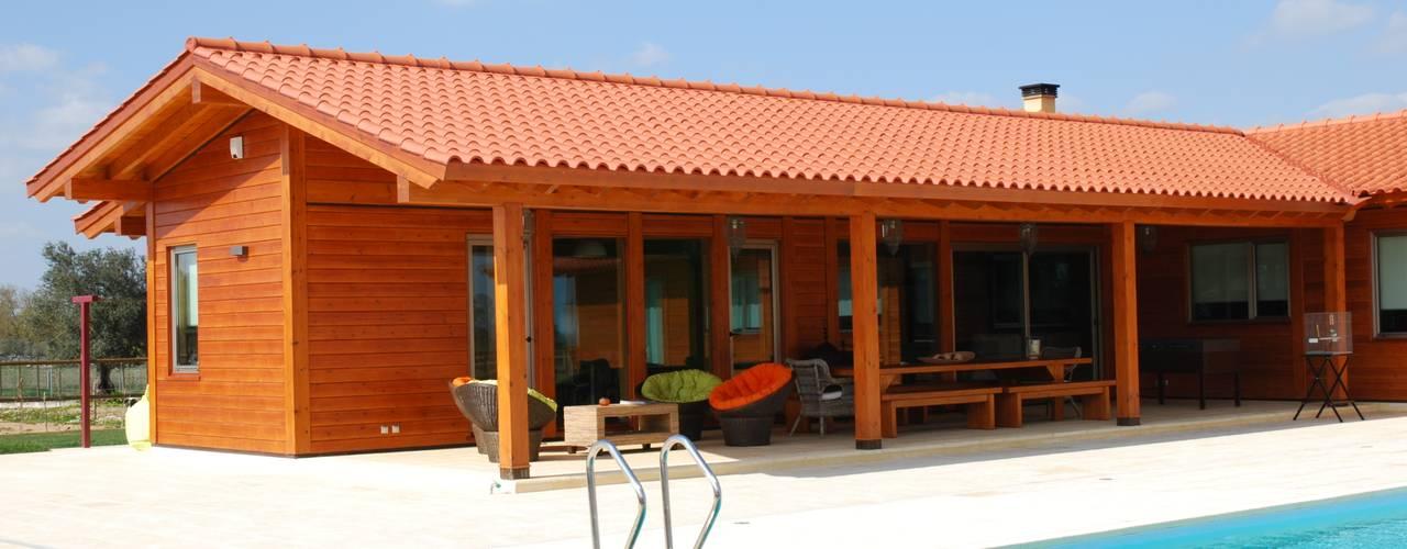 RUSTICASA | Rancho no Alentejo | Évora: Casas de madeira  por Rusticasa,