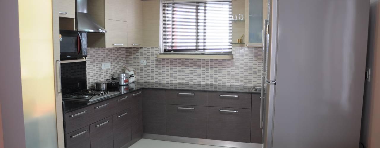 2 BHK APARTMENT INTERIORS IN BANGALORE Modern kitchen by BENCHMARK DESIGNS Modern