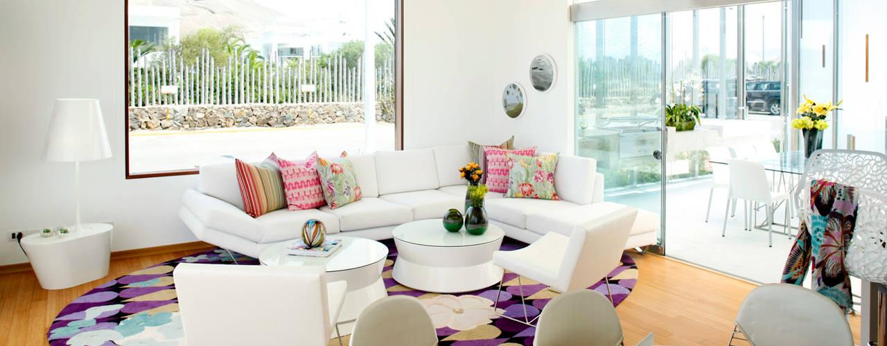Karím Chaman Arquitectos Salas de estilo moderno