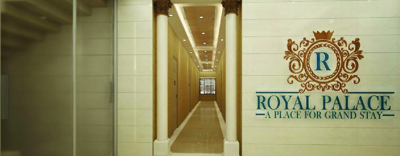 Residential Interiors:  Corridor & hallway by YUKTAME