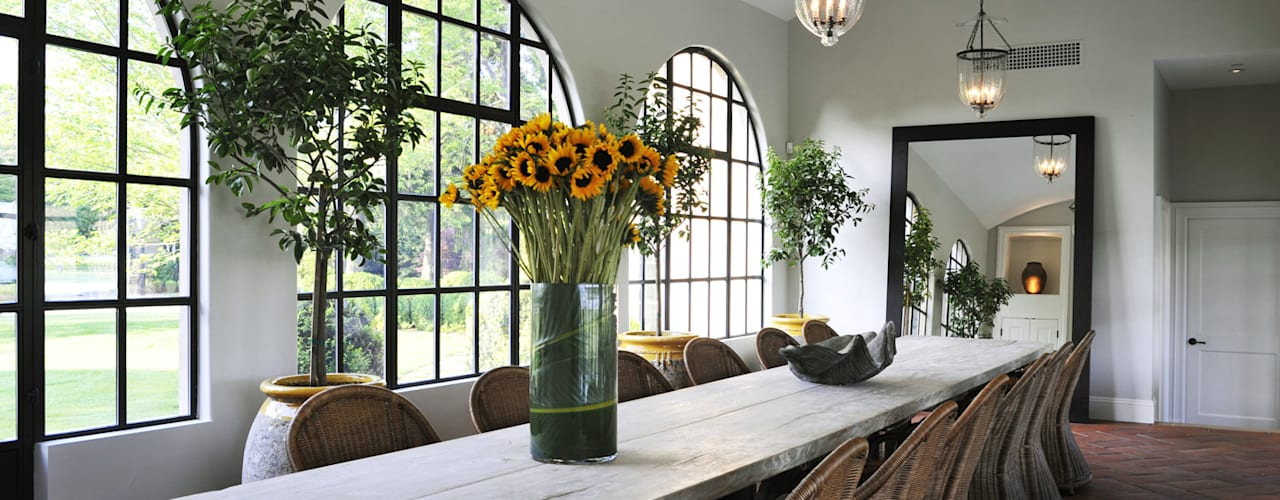 Villa Maria andretchelistcheffarchitects Country style dining room
