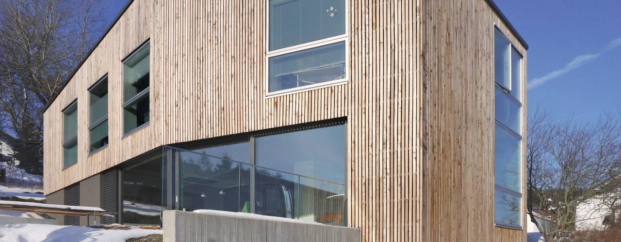 Wohnhaus D FFM-ARCHITEKTEN. Tovar + Tovar PartGmbB Moderne Häuser